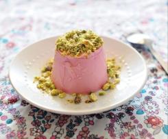 Panna Cotta de moscatel rosado con pistachos